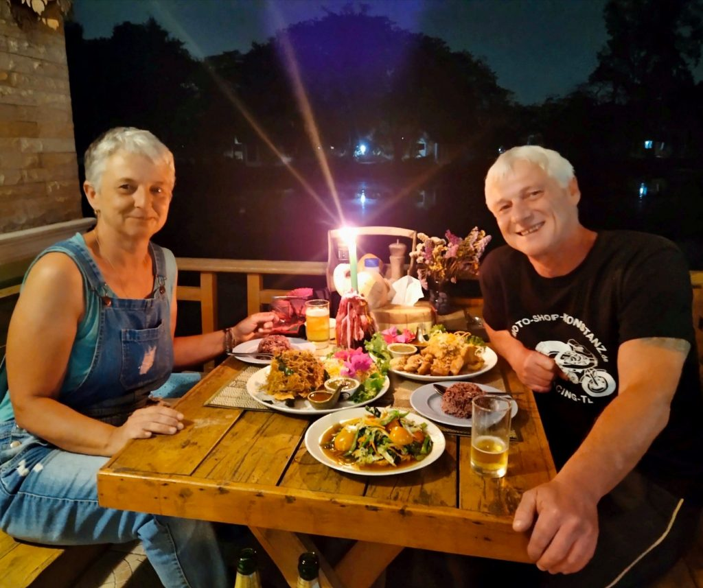 Fishing and dining in Thailand at Dreamlake fishing resort Chiang nai